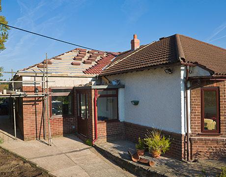 Dach neu eindecken beim Hausbau